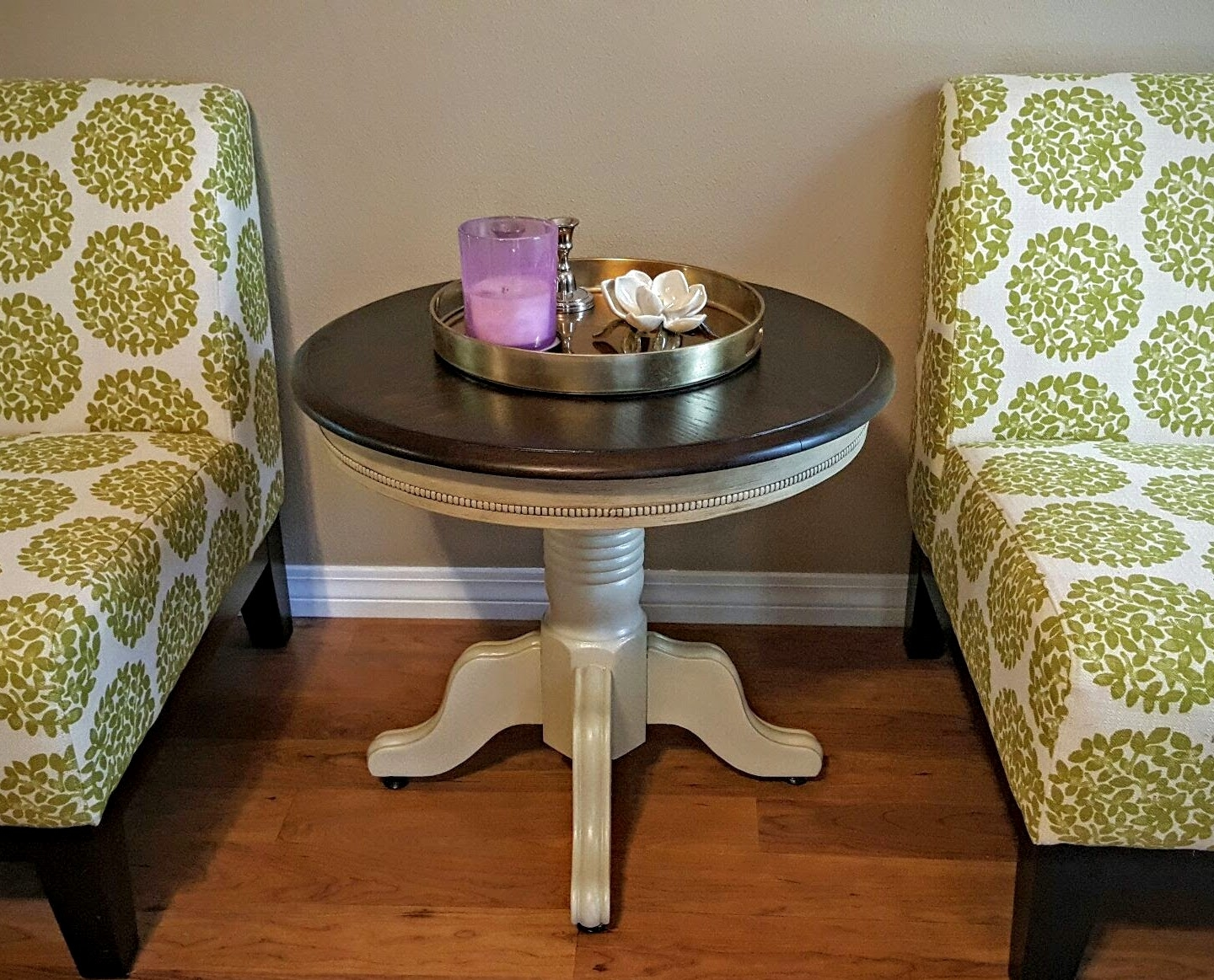High Quality Round Oak Pedestal End Table